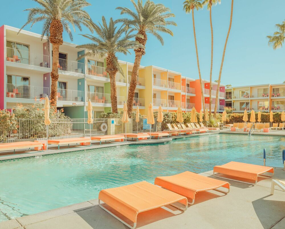 Photograph PALM SPRINGS ICONIC POOL II - LUDWIG FAVRE - Picture painting