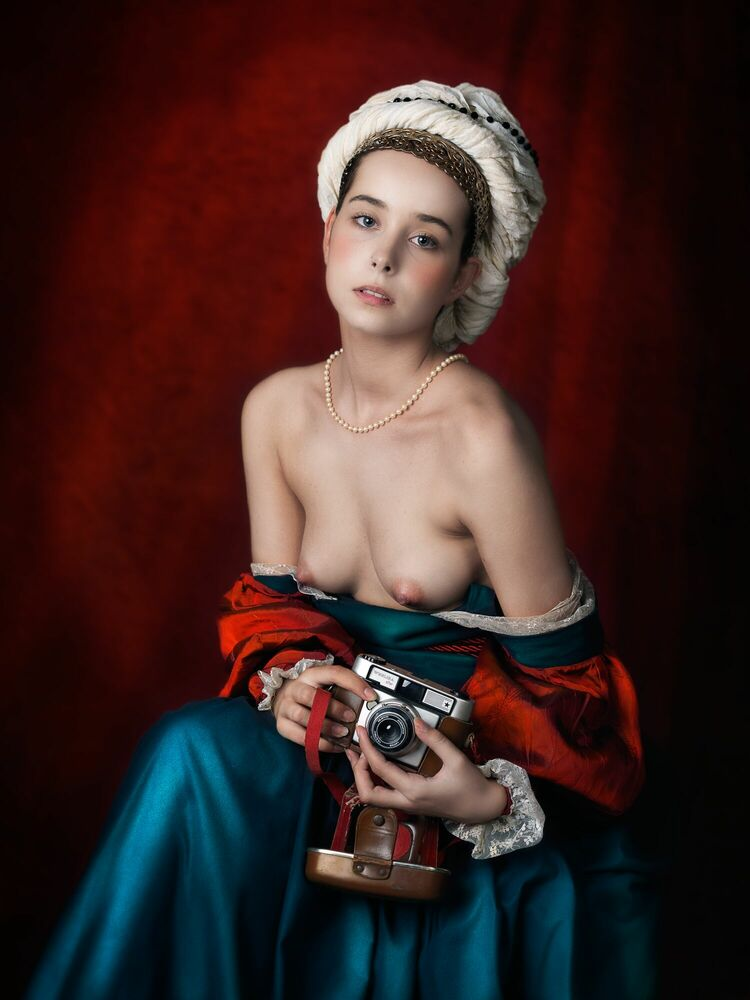 Photograph DAMA PORTRAIT WITH CAMERA - MARIANO VARGAS - Picture painting