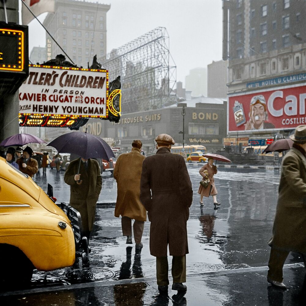 Photograph 1943 TIME SQUARE NYC - MARIE-LOU CHATEL - Picture painting