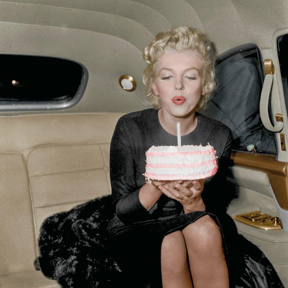 Fotografia MARILYN MONROE HAPPY BIRTHDAY - MARIE-LOU CHATEL - Pittura di immagini