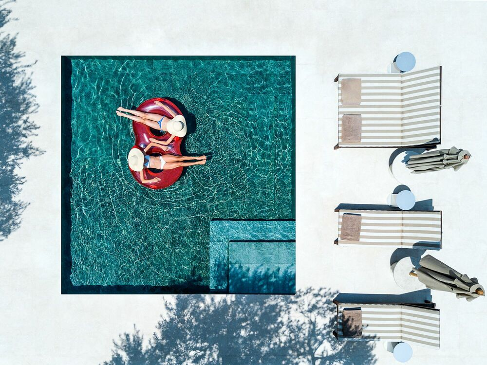 Photographie POOL FOR TWO - MARINA VERNICOS - Tableau photo