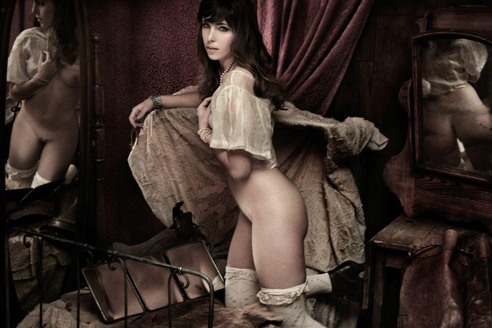 Fotografie CELINE EN BEIGE - MARTIAL LENOIR - Bildermalerei
