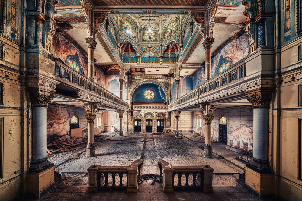 Photograph FORGOTTEN SYNAGOGUE - MATTHIAS HAKER - Picture painting