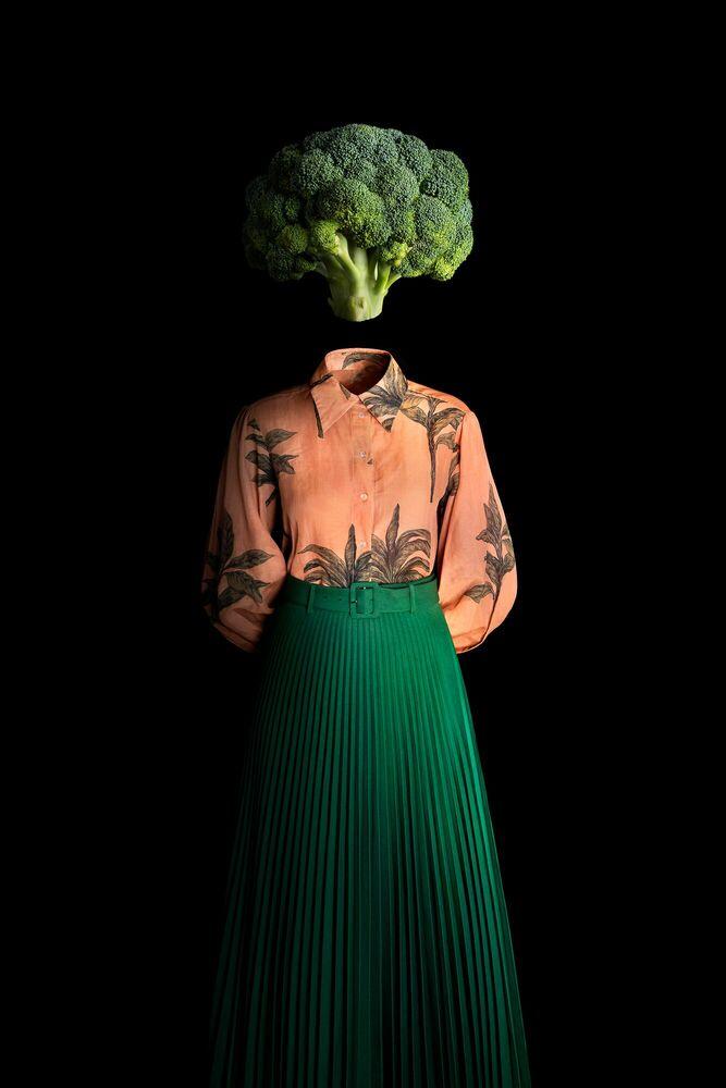 Photograph Ceci n´est pas un brocoli - MIGUEL VALLINAS - Picture painting