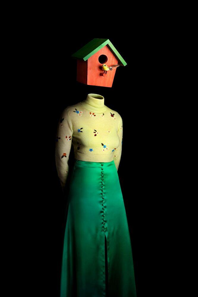 Photograph Ceci n'est pas une maison d'oiseau - MIGUEL VALLINAS - Picture painting