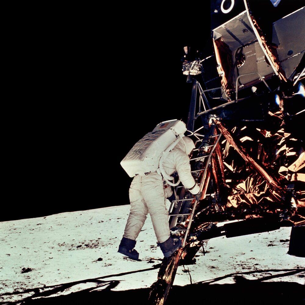 Fotografia Module lunaire Eagle - NEIL ARMSTRONG - Pittura di immagini