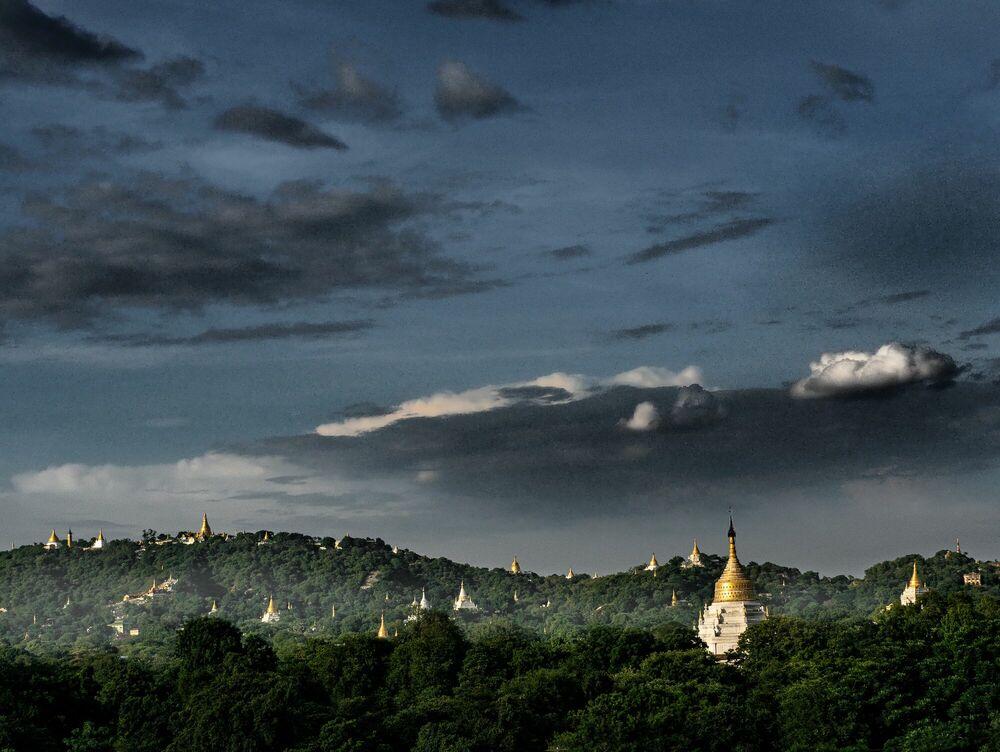Fotografie Pagodes birmanes - OLIVIER FOLLMI - Bildermalerei
