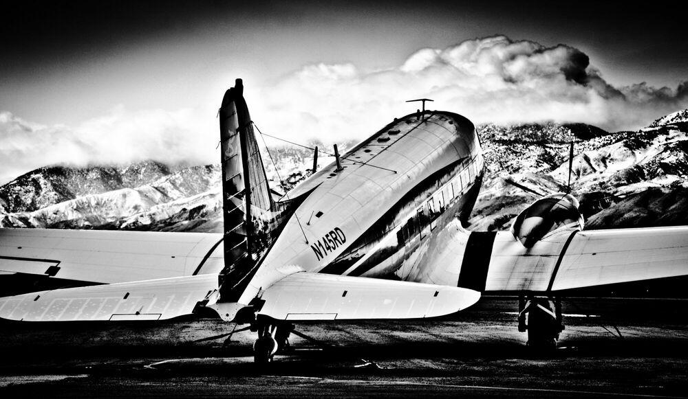 Fotografie Flight Canceled - OLIVIER LAVIELLE - Bildermalerei