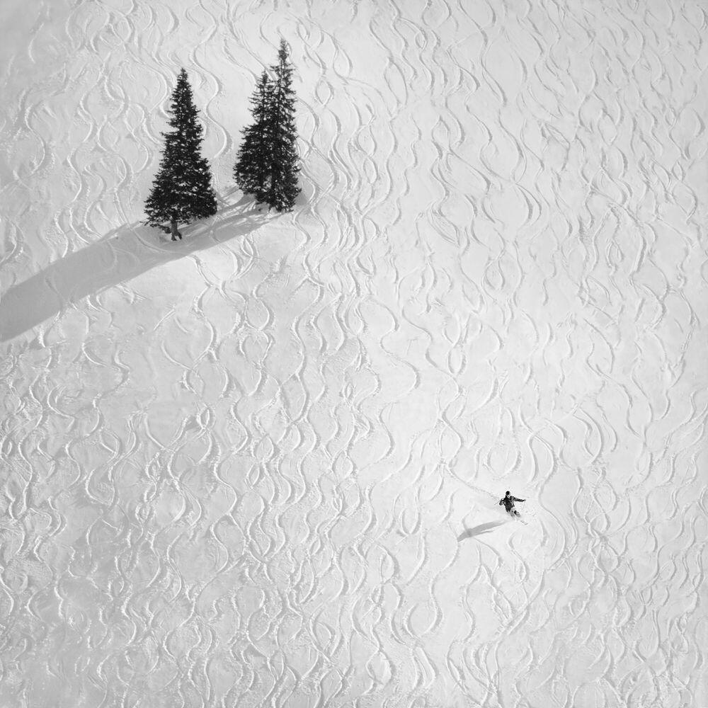 Fotografia DRAWING HIS OWN - PETER SVOBODA - Pittura di immagini