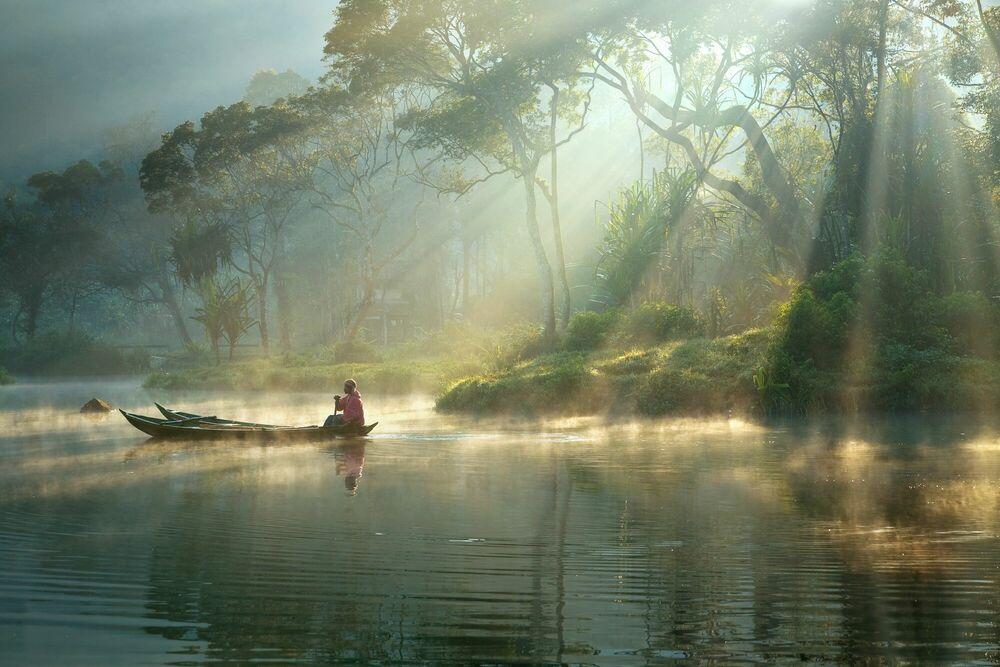 Fotografia LIGHT AND MIST - RARINDRA PRAKARSA - Pittura di immagini