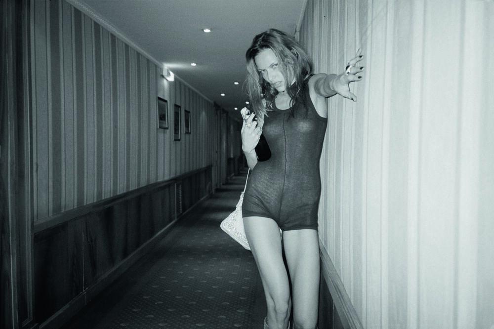 Fotografia Drunk on Fashion - RIE RASMUSSEN - Pittura di immagini