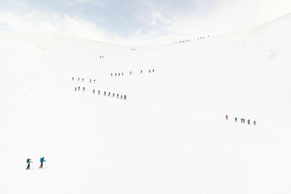 Photograph Mountain queue - Roberto Nova - Picture painting