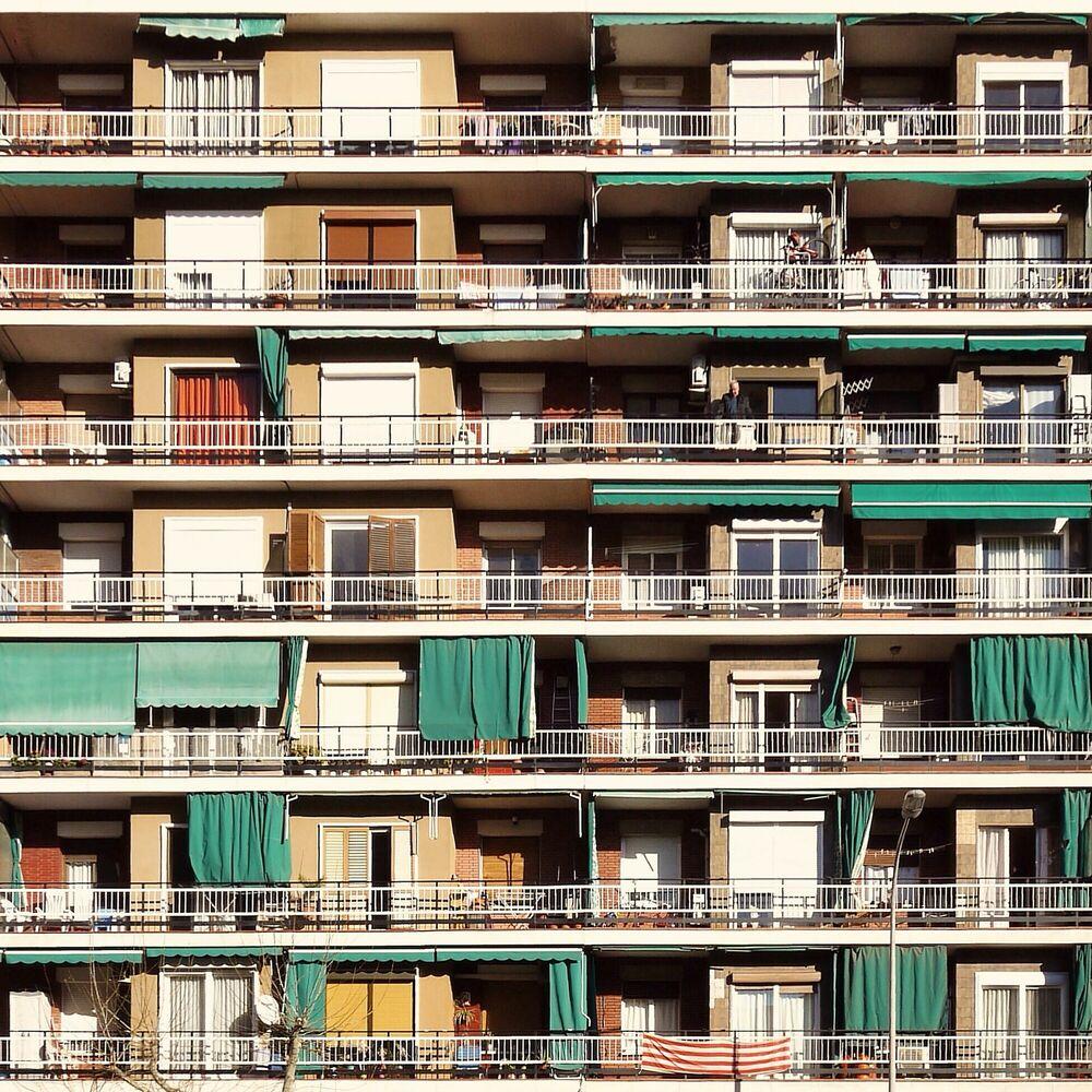 Fotografia GREEN SUNBLINDS - ROC ISERN - Pittura di immagini