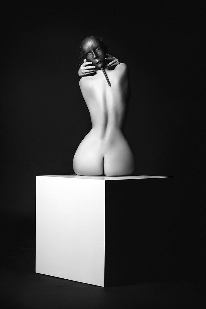Fotografia THE BLACK MASK - RUSLAN BOLGOV - Pittura di immagini