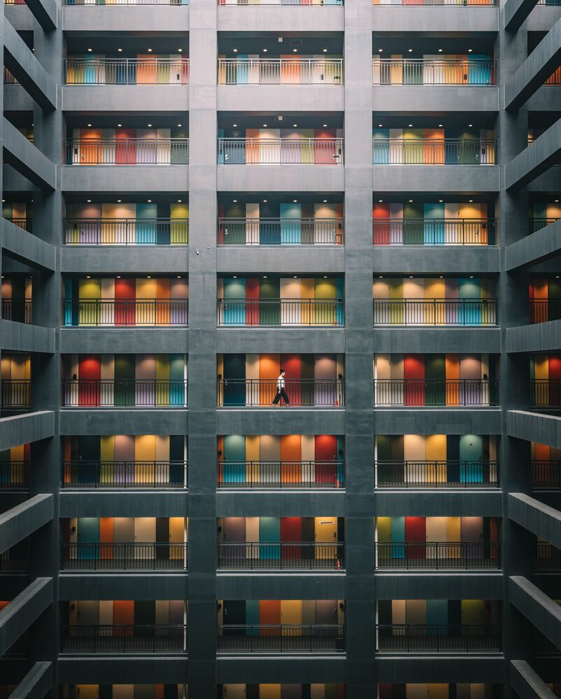 Fotografia RAINBOW BUILDING - TRISTAN ZHOU - Pittura di immagini