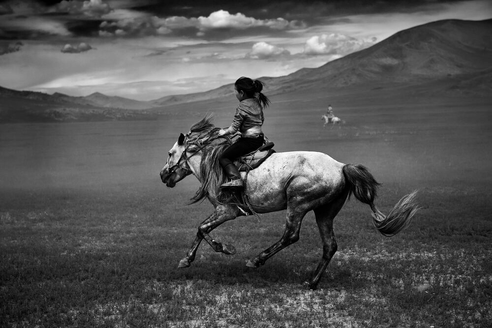 Photographie The Steppe Horsewoman - TUUL ET BRUNO MORANDI - Tableau photo
