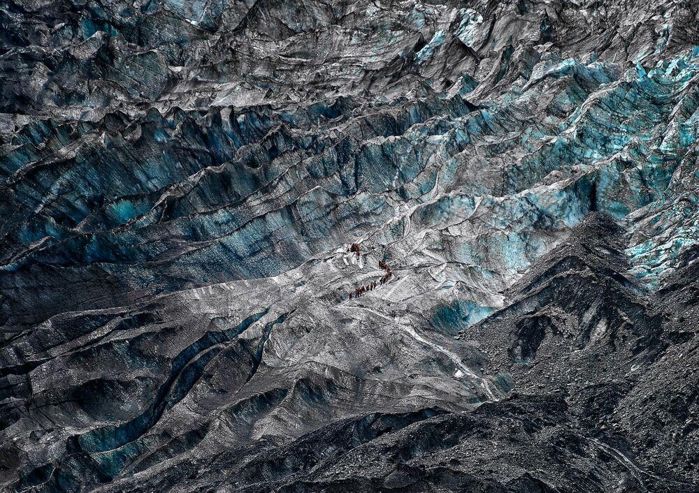 Fotografie Tale of Walk on the Ice - WOLFGANG WEINHARDT - Bildermalerei