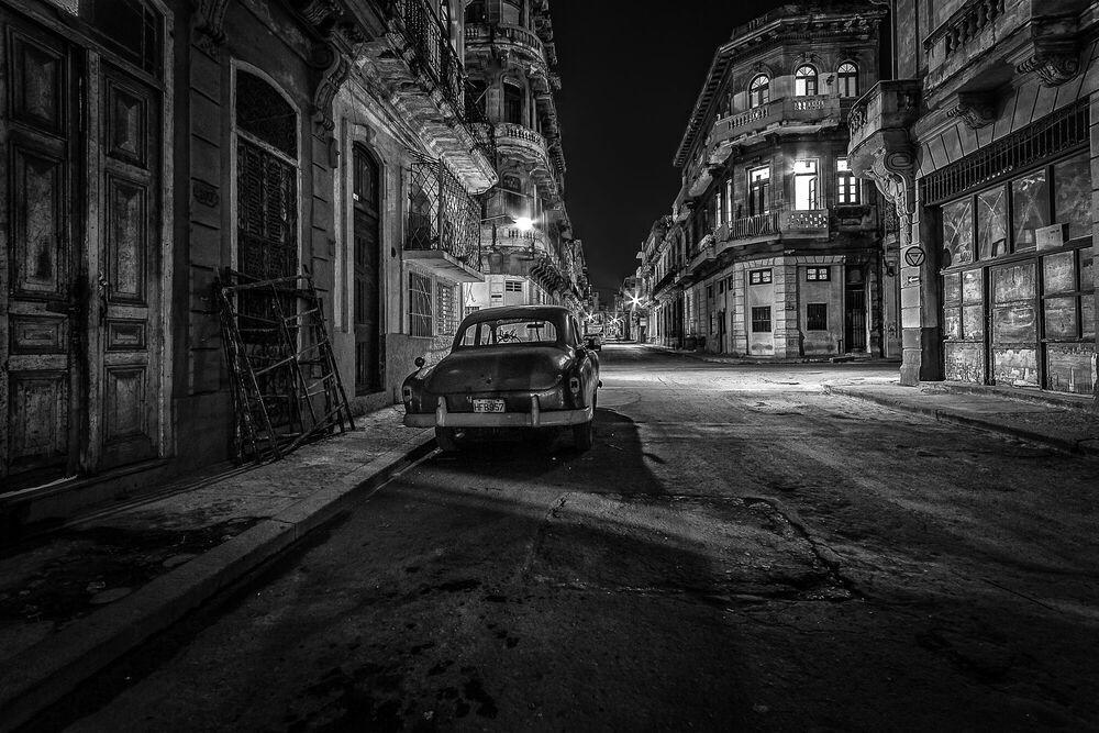 Fotografia Old Town - YUSUF LIBAN - Pittura di immagini