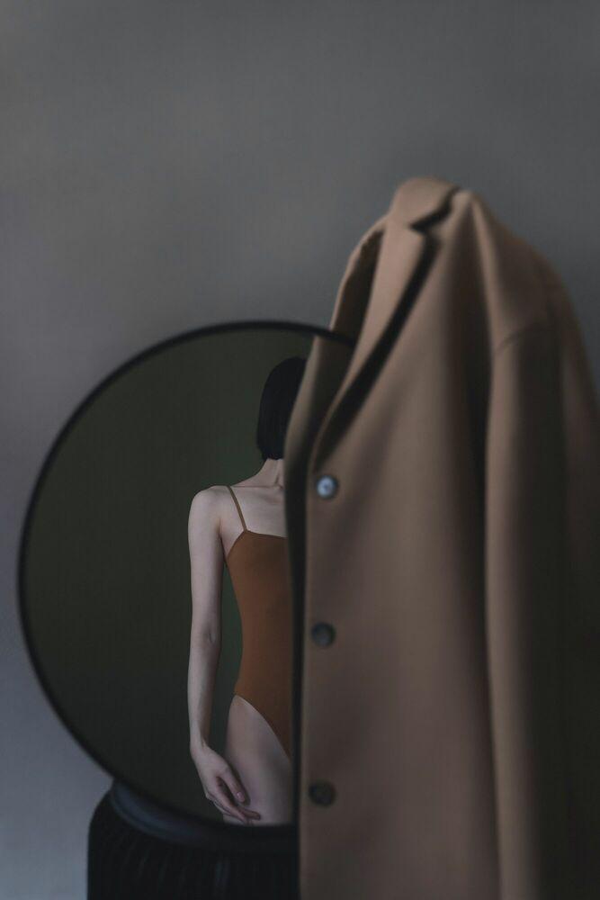Fotografia COAT - ZIQIAN LIU - Pittura di immagini