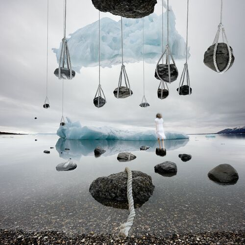 The Stone - ALASTAIR MAGNALDO - Fotografia