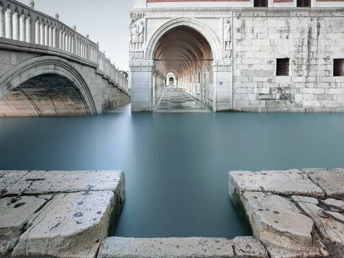 Deep end Venice - ARNAUD BATHIARD - Photograph