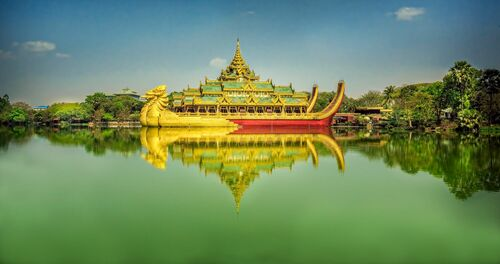LAKE PALACE RANGOON - ARTHUR FARACHE SAUVEGRAIN - Photograph