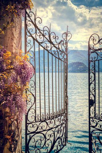HEAVENS GATE I