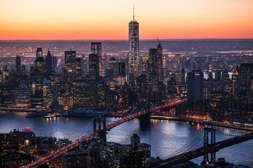 NEW YORK CITY SUNSET FROM HELICOPTER - CALDER WILSON - Kunstfoto