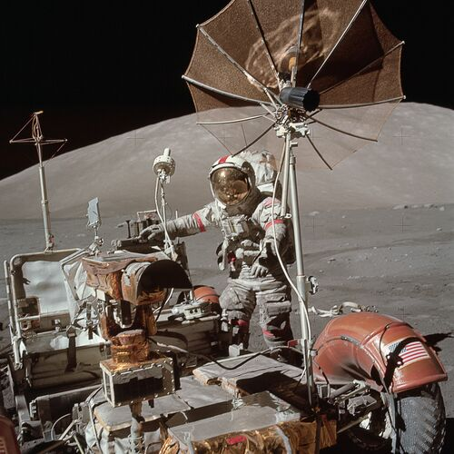 APOLLO 17 EUGENE A.CERNAN AND ROVER -  CHASSEURS DE NUITS - Photographie