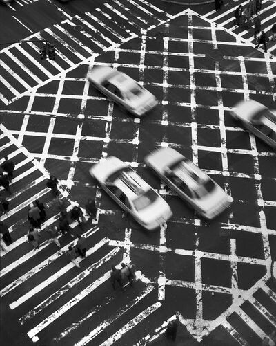 Taxis on 5th Avenue - CHRISTOPHER BLISS - Photograph