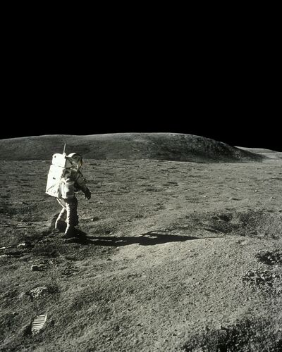 Charles Duke, Apollo 16 -  CIEL & ESPACE PHOTOS - Photograph