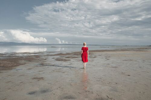 THE RED DRESS - CRISTINA CORAL - Photograph