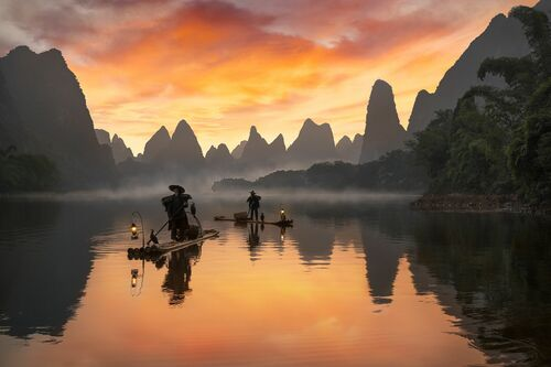 LI RIVER COLORED IN RED - DANIEL METZ - Photograph