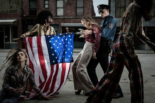 Soiling of old glory -  FORMENTO+FORMENTO - Photograph