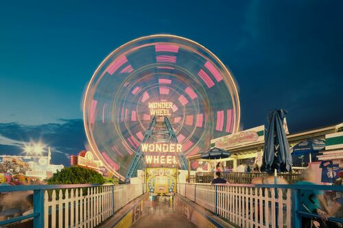 WONDER WHEEL IN MOTION - FRANCK BOHBOT STUDIO - Photograph