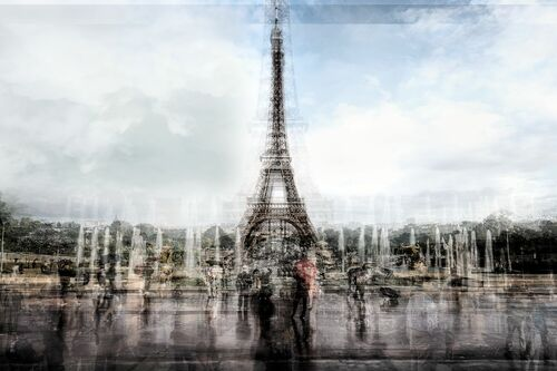 EIFFEL TOWER IN THE RAIN - GUADALUPE LAIZ - Photographie