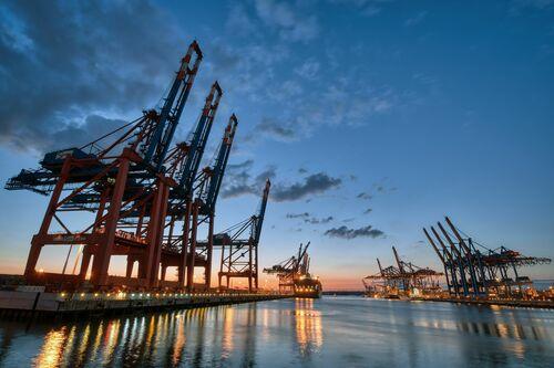 Ladekrane im Hafen - HANS-JÜRGEN MALCHOW - Photograph