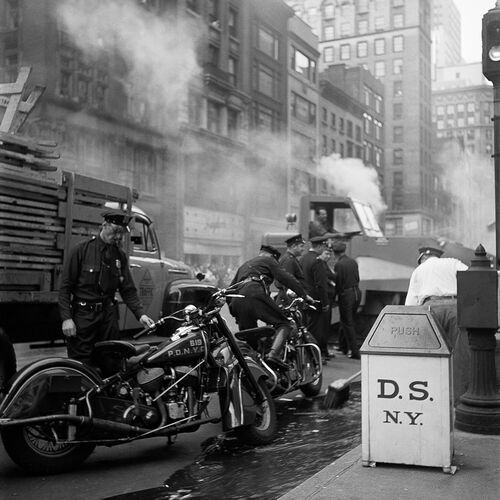 Motards de la police avant le défilé, New York, 19