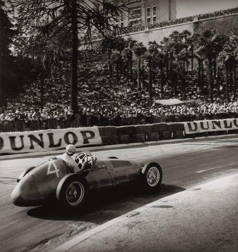 Grand Prix de Pau, 1949, Fangio Maserati  - JEAN DIEUZAIDE - Fotografie