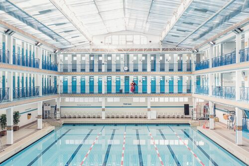 SWIMMING POOL 5 - JULIEN TALBOT - Photograph