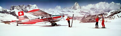 ALPS SKIERS WITH AIRPLANE 1964 - KODAK COLORAMA DISPLAY COLLECTION - NEIL MONTANUS - Photograph