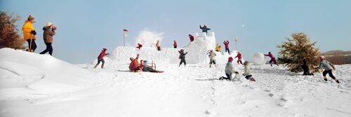 SNOW FORT AND SNOWBALLS 1965 - KODAK COLORAMA DISPLAY COLLECTION - OZZIE SWEET - Photograph