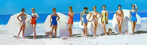 FASHIONS IN CHROMSPUN SWIMSUITS 1954 - KODAK COLORAMA DISPLAY COLLECTION - PETER GALES - Fotografía