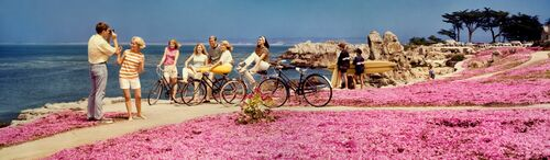TEENAGERS WITH BICYCLES 1968 - KODAK COLORAMA DISPLAY COLLECTION - PETER GALES - Photograph