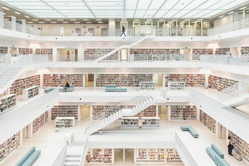 Stadtbibliothek Stuttgart - LORENZO LINTHOUT  - Photograph