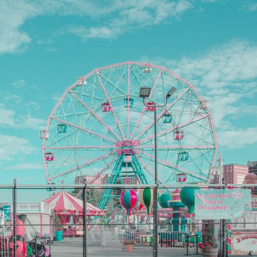 A DAY AT CONEY ISLAND - LUDWIG FAVRE - Fotografie