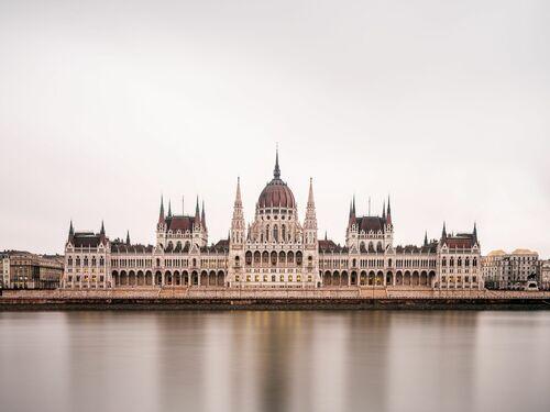 BUDAPEST PARLMENT - LUDWIG FAVRE - Photograph