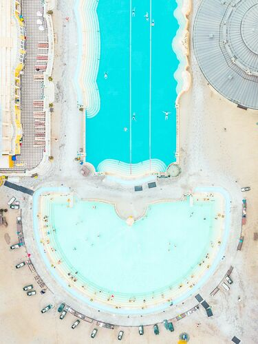 POOL BUDAPEST I - LUDWIG FAVRE - Photograph