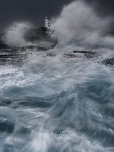 Implode - Mark Dobson - Photographie