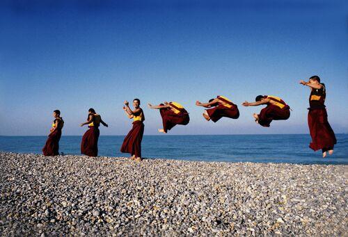 Les moines volants - MATTHIEU RICARD - Photograph